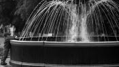 опять мальчик и фонтан